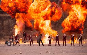 岩舟山は栃木県にあり、爆破撮影ができる!爆破ウエディングも!